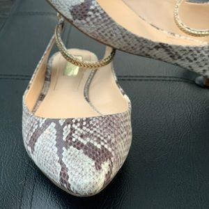 Jessica Simpson Snake skin flats 7.5 grey & gold🐍